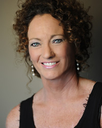 Laurie Lund, Owner